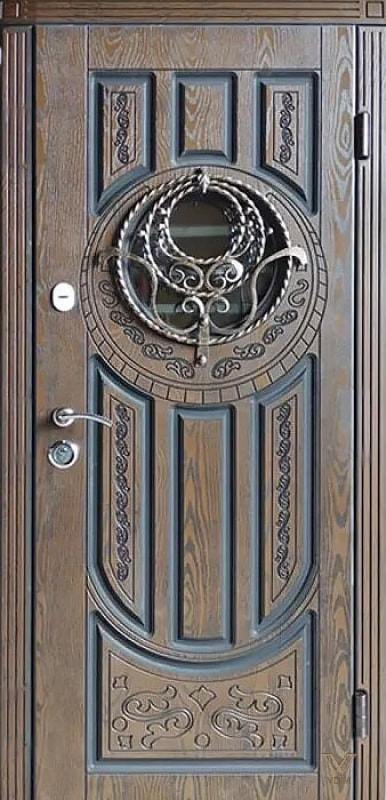 Входные двери с полимерными накладками, однополые с ковкой и стеклопакетом