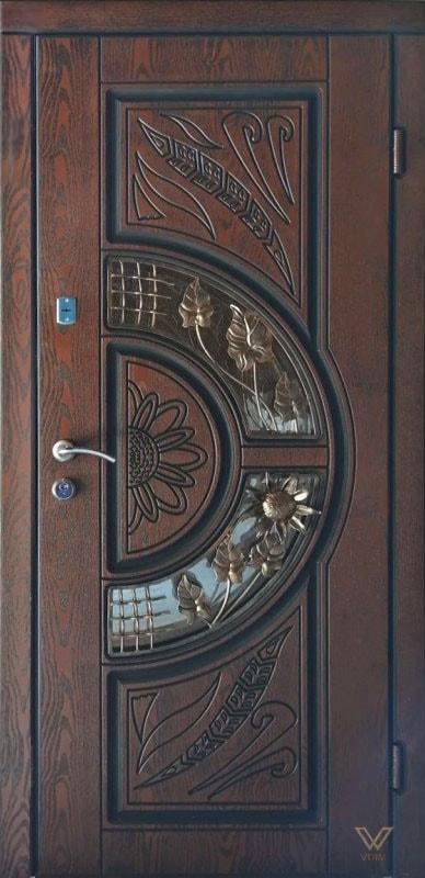 Входные двери с полимерными накладками, однополые, с ковкой и стеклопакетом