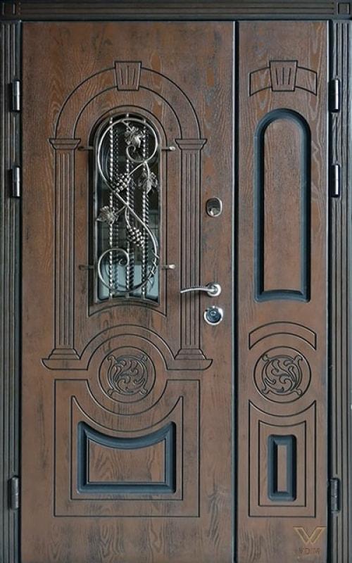 Входные двери с полимерными накладками, двуполые с ковкой и стеклопакетом