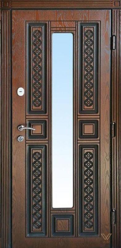 Входные двери с полимерными накладками и стеклопакетом